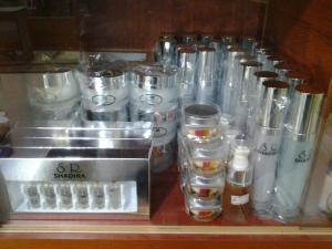 gambar stok shadira cosmetics 2